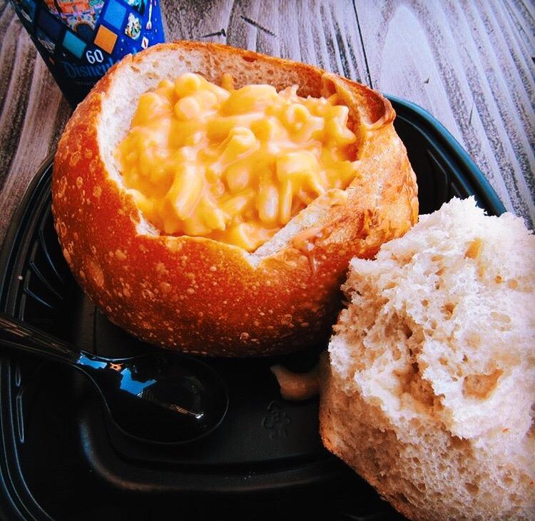 mac-n-cheese-bread-bowl